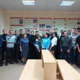 Группа Т-11  классного руководителя Галины Валентиновны Мироненко, руководитель музея Р.К. Садыкова с экскурсоводами.