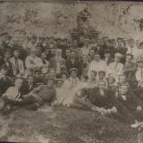 Выпускники пятого выпуска и преподаватели во Владимирском саду, 1926 год.