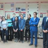 8 А класс школы № 56 с классным руководителем М.И. Ермолаевой.