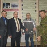 Работа над витринами – слева направо Р.М. Бакиров, О.Г. Ганенков, М.Г. Мавлютов, И.М. Клементьев, октябрь 2016 года.